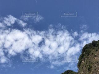 空には雲のグループの写真・画像素材[709202]