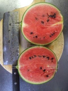 夏 スイカ 家庭菜園の写真・画像素材[670477]