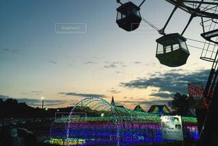 街に沈む夕日の写真・画像素材[887141]
