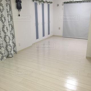 白い部屋の写真・画像素材[671809]