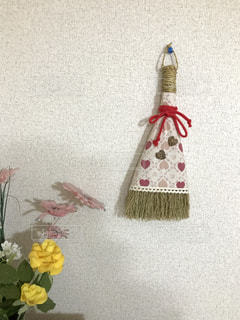 飾りのほうきと花🌸の写真・画像素材[746273]