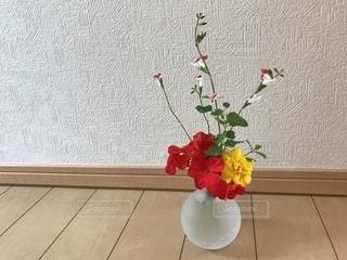 赤い花と黄色い花🌸🌼の写真・画像素材[765853]