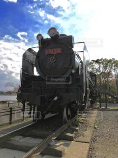 公園に展示してある蒸気機関車の写真・画像素材[846333]