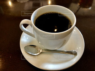 テーブルの上のコーヒー ☕の写真・画像素材[869441]
