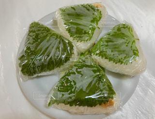 青じそ🍃と味噌のおにぎり🍙の写真・画像素材[1450157]
