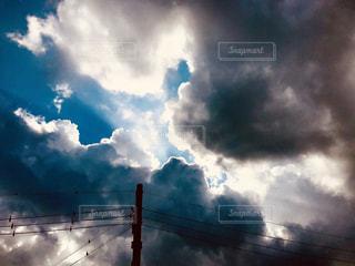 台風の影響で曇ってきました🌀の写真・画像素材[2365079]