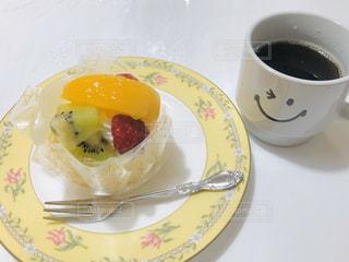 ケーキとコーヒーの写真・画像素材[2802477]