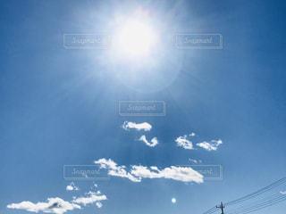 太陽と白い雲💭の写真・画像素材[2918762]