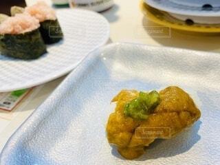 大好きなウニのお寿司😋の写真・画像素材[3710597]