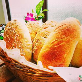 焼きたてパンをベランダで。 - No.816075