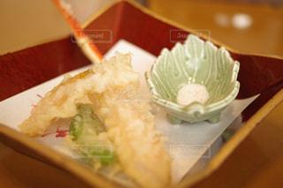 カニの天ぷらとか贅沢な!の写真・画像素材[1664261]