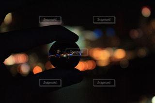 水晶玉から見える夜景 - No.730445