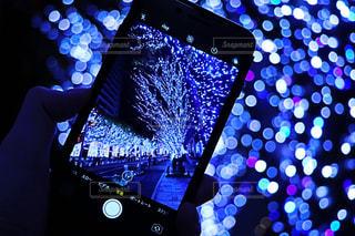 iPhone越しから見る世界の写真・画像素材[890715]