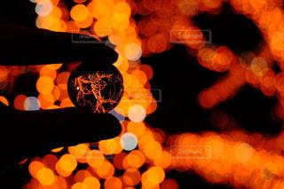 イルミネーションを水晶玉に入れてみたの写真・画像素材[927385]