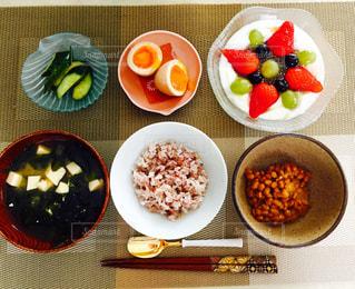 健康的な朝ごはんの写真・画像素材[676653]