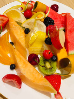 フルーツサラダの写真・画像素材[2432749]