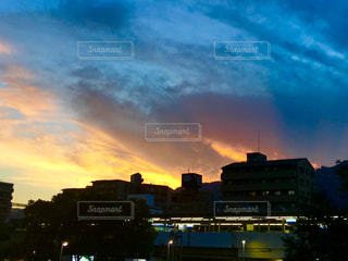 夕焼けの写真・画像素材[1320716]