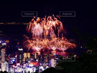 花火と夜景の写真・画像素材[1365146]