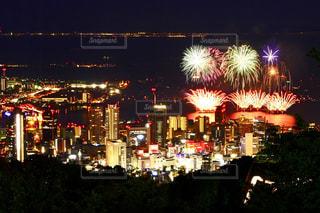 花火と夜景の写真・画像素材[1365148]