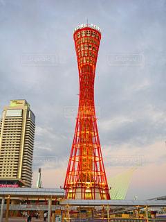 夕方の神戸ポートタワーの写真・画像素材[1369301]