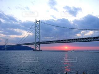 明石海峡大橋 夕日の写真・画像素材[1568597]