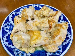 チキンのチーズ焼きの写真・画像素材[1602506]