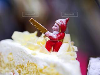 ケーキの上のサンタさんの写真・画像素材[1689323]