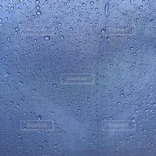 雨粒の写真・画像素材[2263225]