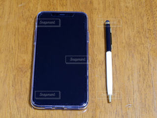 スマートフォンとタッチペンの写真・画像素材[2649489]