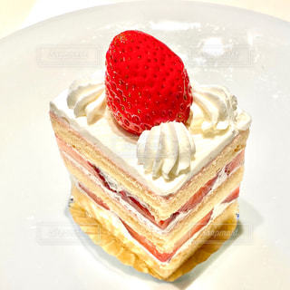 苺のショートケーキの写真・画像素材[2804952]