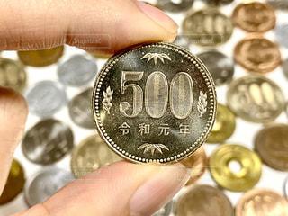 500円玉の写真・画像素材[3064909]