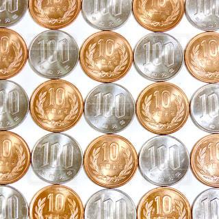 沢山のコインの写真・画像素材[3094091]