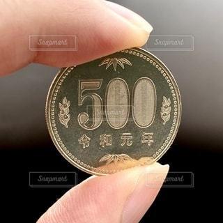 令和元年の500円硬貨の写真・画像素材[3357892]