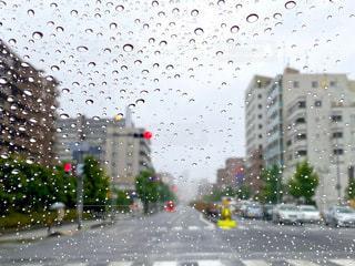 雨の日のドライブの写真・画像素材[3393378]