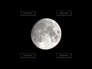 月の写真・画像素材[3632055]