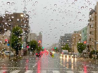 雨の日のドライブの写真・画像素材[3722079]