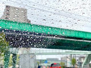 雨の日のドライブの写真・画像素材[4371012]