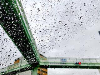 雨の日のドライブの写真・画像素材[4376464]