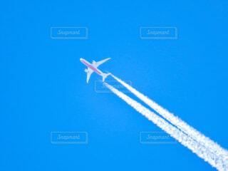 飛行機雲の写真・画像素材[4412302]
