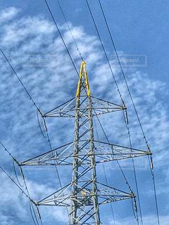 鉄塔と秋の空の写真・画像素材[826417]