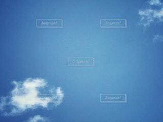 青い空に雲の写真・画像素材[1147957]