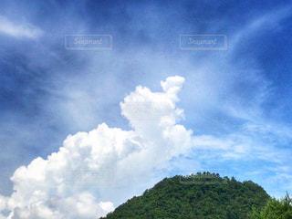 空には雲のグループの写真・画像素材[1292720]