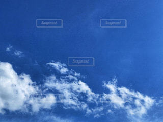 空の雲の群れの写真・画像素材[4588865]