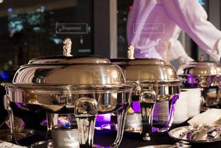 食べ物を準備ホテルブッフェの写真・画像素材[930213]