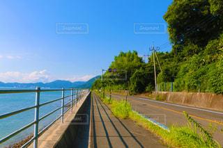 いくつかの水以上の長い橋の写真・画像素材[748076]