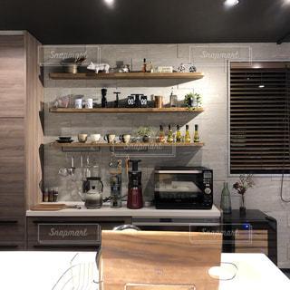 見せる収納のキッチンの写真・画像素材[1780287]