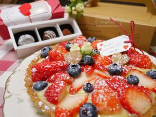 ピザのスライスを皿の料理の写真・画像素材[840463]