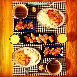 夕食の写真・画像素材[724809]