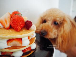 いちごのパンケーキの写真・画像素材[1047777]