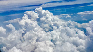 青い空に雲の写真・画像素材[852413]